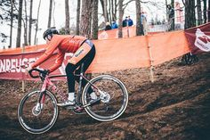 One last thing Follow the action from the mud at #cxzolder16 with @iamspecialized_road  Photo: @nikkiharris86 during Friday practice taken by @cyclingimages by iamspecialized