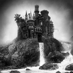 Jim Kazanjian cherche des éléments d'immeubles dans des photos qu'il trouve sur internet avant de les assembler pour créer ces bâtiments qui sortent de son imagination.