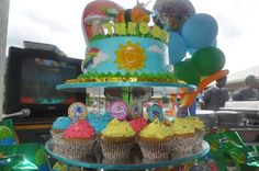 Dolor Baldovino Costales shared this :):) Wow wow wow a tower of yummy treats! This is a super Fun-tastic idea!! #GBbirthday