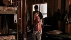 """Burn Notice 5x07 """"Besieged"""" - Michael Westen (Jeffrey Donovan) & Tommy (Thor Wahlestedt)"""