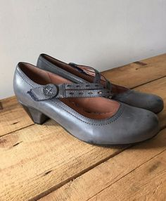 UK SIZE 5.5 WOMENS HOTTER AMETHYST GREY LEATHER MARY JANES DETAILED STRAP VELCRO