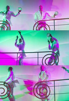"""""""O samba ainda vai nascer O samba ainda não chegou O samba não vai morrer Veja o dia ainda não raiou O samba é o pai do prazer O samba é o filho da dor,  o grande poder transformador""""  (Caetano Veloso)"""