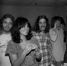 Linda Ronstadt and the Eagles at the Troubadour. 70s Music, Music Icon, Rock Music, Eagles Band, Eagles Music, Jackson Browne, Linda Ronstadt, Women Of Rock, Joan Jett