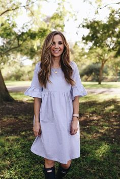 SIMILAR DRESS HERE   ||   HUNTER BOOTS   ||   NECKLACE     Bell sleeves and ruffles are two huge trends this season, and I can't...