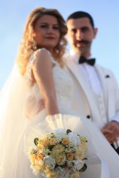 zehra-aydın wedding photos yellow
