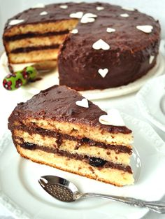 Cel mai bun tort din lume/ The best cake in the world - Andie Romanian Desserts, Cocoa Cake, Jacque Pepin, Cherry Cake, Sour Cherry, Something Sweet, Sweet Treats, Deserts, Good Food