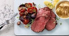 En skøn hovedret til gæster. Det meste kan gøres klar i god tid, så du blot skal varme saucen og kartoflerne og anrette de saftige grøntsager og det flotte kød.