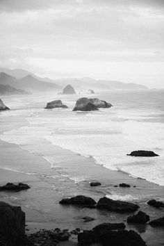 Cannon Beach, Oregon - Haystack Rock