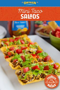 Looking for a Cinco de Mayo appetizer idea? Take the classic taco salad, and serve it in Ortega Fiesta Flats to make Mini Taco Salads! Fiesta Flats allow all of the ingredients to stay put from plate to mouth. Perfect for entertaining! Mexican Entrees, Mexican Dessert Recipes, Mexican Dishes, Appetizers For Party, Appetizer Recipes, Taco Ideas, Fiesta Salad, Mini Tacos, Tacos And Burritos