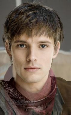 SO THIS IS BRADLEY JAMES (aka Arthur) AND COLLIN MORGAN (aka Merlin) AND THEIR FACES AND MORPHED AND OMG I JUST WOW WHAT.