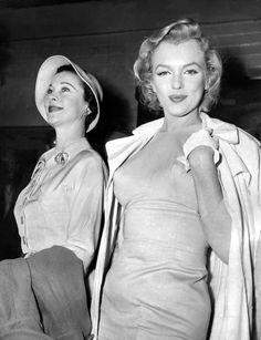 Vivien Leigh with Marilyn Monroe