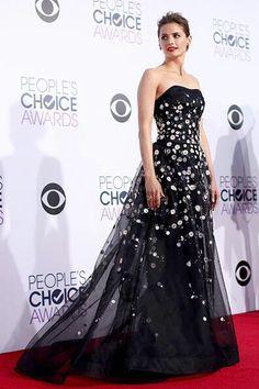 in Carolina Herrera for the 2015 People's Choice Awards in Los Angeles, California