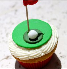 Golf cupcake for Ry!