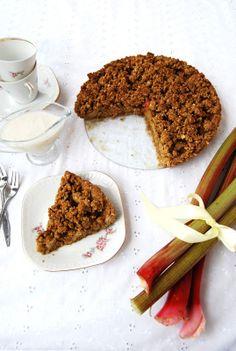 Rhubarb rye tart with coconut and vanilla sauce