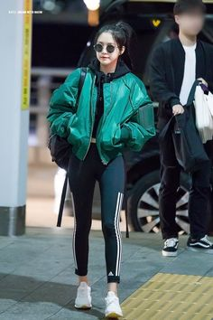 Female idols who look perfect even without high heels airport fashion, kpop fashion, korean Kpop Fashion Outfits, Blackpink Fashion, Korean Outfits, Mode Outfits, Casual Outfits, Fashion Looks, Fashion Idol, Airport Fashion Kpop, Korean Clothes