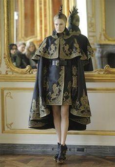 Alexander McQueen's final collection - Autumm/Winter 2010/11