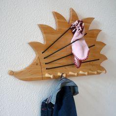 Garderoben - Kindergarderobe Holz - 6 Haken und Gummiband - ein Designerstück von Lunatur bei DaWanda