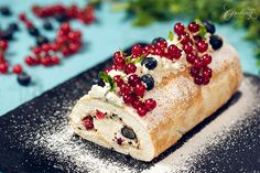Summer Berry Meringue Roll :: Home Cooking Adventure No Bake Desserts, Easy Desserts, Dessert Recipes, Loaf Recipes, Bank Holiday Recipes, Best Summer Desserts, Meringue Cake, Baked Alaska, Thing 1