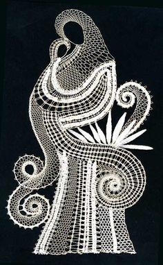 madona s dítětem Lace Patterns, Embroidery Patterns, Madonna, Lace Heart, Lace Jewelry, Thread Work, White Embroidery, Lace Making, Bobbin Lace