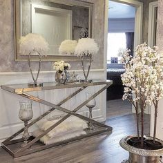 Use these interior decor ideas to perk up your home and give it new life. Home decorating is enjoyable and can transform your house into a home once you understand how to do it right. Hallway Decorating, Entryway Decor, Interior Decorating, Interior Design, Foyer, Inspire Me Home Decor, Living Room Decor, Bedroom Decor, Living Area