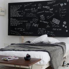 Tête de lit pour laisser libre cours à son inspiration...