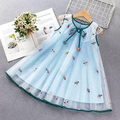 Cotton Frocks For Kids, Kids Frocks, Kids Outfits Girls, Girl Outfits, Girls Dresses, Baby Girl Dress Patterns, Baby Dress, Gauze Dress, Flower Dresses