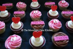 Hen Do Cupcakes - What a lovely idea for your Bride to Be on her Special Day!