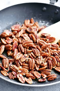 Here's How To Toast Pecans for snacking or to use in recipes. Toast the pecans in the oven, skillet, or even the microwave. Easy Dinner Recipes, Appetizer Recipes, Snack Recipes, Cooking Recipes, Healthy Recipes, Party Appetizers, Healthy Foods, Dessert Recipes, Healthy Eating