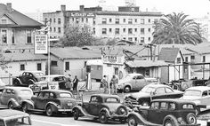 Ray's Service: Gas, Repairs and Parking in Los Angeles @ http://theoldmotor.com/?p=167919 #1930scars #1940scars #1950scars #claciccars #oldcars