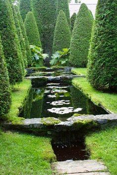 Frank and Anne Cabot - Les Quatre Vents in Quebec - Water and reflections Love Garden, Water Garden, Dream Garden, Fantasy Landscape, Landscape Design, Garden Design, Beautiful Landscapes, Beautiful Gardens, Fine Gardening