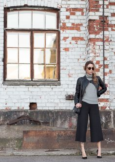 The culottes trend is absolutely in this fall. Wear yours with a leather jacket to reproduce Julia Toivoloa's look. Jacket: Primeboots, Trousers: Lindex, Shoes: I.R.O, Bag: Chanel.