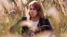 Verträumter Blick - Maffay 1971 ein Bett im Kornfeld