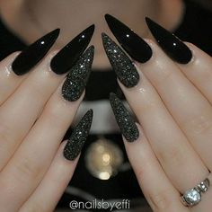 Best Black Stiletto Nails Designs For Your Halloween Black nails; Best Black Stiletto Nails Designs For Your Halloween Black nails; black and w Cute Acrylic Nails, Acrylic Nail Designs, Cute Nails, Stiletto Nail Designs, Fake Nail Designs, Glitter Nail Designs, Fall Nail Art Designs, Black Stiletto Nails, Black Glitter Nails