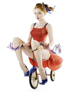 """Irina Davis — Russian pin-up girls. """"Russian """"girls"""" in the and were taught to be tough and work hard. I am saddened by the fact that Russia never had the chance to enjoy the happy pin-up. Estilo Pin Up, Poses Pin Up, Burlesque, Pin Up Girls, Moda Retro, Scarlett, Modern Pin Up, Rockabilly Pin Up, Toddler Girls"""