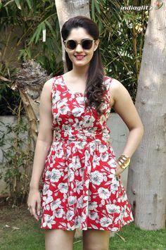 Indian Actress Images, South Indian Actress, Indian Actresses, Hot Actresses, Beautiful Girl Indian, Beautiful Saree, Beautiful Indian Actress, Indian Girl Bikini, Indian Girls