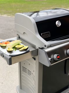 Girls Guide to Grilling: Grilled Chicken Southwest Salad - Living in Yellow Grilled Meat, Grilled Chicken, Southwest Salad, Living In Yellow, Lime Vinaigrette, Avocado Chicken Salad, Boneless Skinless Chicken, Girl Guides, Chicken Tenders
