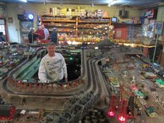 World's Largest American Flyer Model Train Exhibit Honors Father's and Son's Love of Trains Model Trains, Toy Trains, Pictures Of Barbie Dolls, Lionel Train Sets, Third Rail, Electric Train Sets, N Scale Trains, Train Room, Train Table