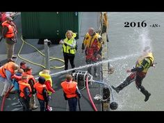 أجمل لقطات رجال الإطفاء المضحكة 2016 اضحك Firefighter Ultimate Fail Comp...
