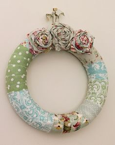 Fabric wreath - want to make for above headboard