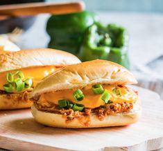 Everything you love about Buffalo chicken... in cheesesteak form 🧡  Save the recipe for Mini Buffalo Chicken Cheesesteaks 👍 Easy Chicken Chili, Buffalo Chicken Pasta Salad, Chicken Alfredo Pizza, Buffalo Chicken Pizza, Buffalo Chicken Recipes, Buffalo Chicken Sandwiches, Baked Chicken, Chicken Appetizers, Most Popular Recipes