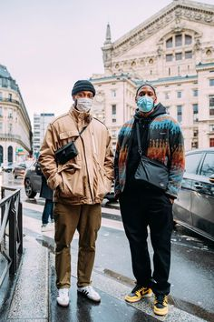 Top 12 Street Style Looks From Paris Fashion Week Mens F21 Shows Street Look, Man Street Style, Cool Street Fashion, Street Style Looks, Street Snap, Men Street, Fashion Week Paris, Fall Fashion Trends, Fashion News