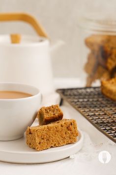 This homemade rusks recipe is such an easy baking idea! Give them a try, we promise, these Milk Tart Rusks are worth every bite. Florentine Cookies, Rusk Recipe, Milk Tart, Lunch Box Recipes, Food Videos, Sweet Recipes, Baking Recipes, Delish, Sweet Tooth