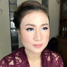 "54 Likes, 3 Comments - Rtdisoho Makeup & Hairdo (@keziafelaniamakeup) on Instagram: "". Graduation #makeup & #hairdo by RTDI SOHO MUA & TEAM. . ::RTDI Soho for :: #prewedding #wedding…"""