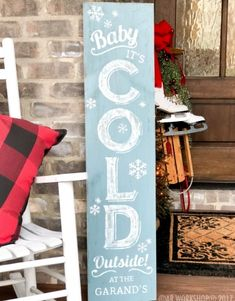 Plank Wood Signs and Projects Christmas Wooden Signs, Holiday Signs, Christmas Crafts, Christmas Ideas, Snowman Crafts, Christmas 2019, White Christmas, Portal, Outside Christmas Decorations