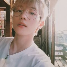 Find images and videos about kpop, exo and baekhyun on We Heart It - the app to get lost in what you love. Baekhyun Chanyeol, Exo Chanbaek, Kim Minseok, Exo K, Kpop Exo, K Pop, Luhan And Kris, Selfies, Exo Group
