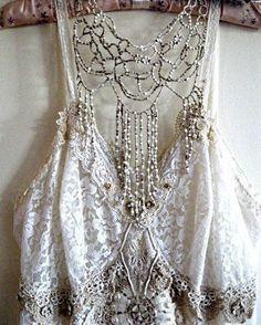 b18027be557f Bohemian Daydream Fashion Details, Boho Fashion, Vintage Fashion, Vintage  Outfits, Womens Fashion