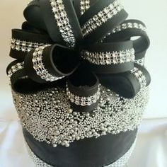black+fondant+cake+with+bow /// Topics /// 3rdRevolution