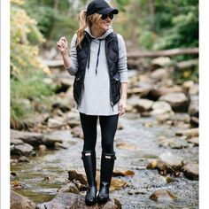 25 Perfectly Ideas Fall Outfits For Women - Women Fall Outfits - Black Boots Outfit, Hunter Boots Outfit, Black Hunter Boots, Hunter Shoes, Fall Winter Outfits, Autumn Winter Fashion, Fall Fashion, Clothes For Women, My Style