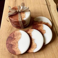 Epoxy Resin Art, Diy Resin Art, Diy Resin Crafts, Wood Resin, Crafts To Sell, Wood Crafts, Diy Resin Projects, Wood Coasters, Diy Resin Coasters