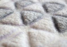 Prefelt - Maria Friese Experiments - Free Your Imagination - Dhg Wet Felting, Needle Felting, Textiles, Felting Tutorials, Handmade Felt, Crafts To Make, Wool Felt, Rugs, Projects